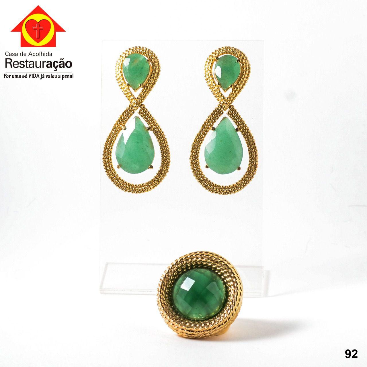 Brinco e Anel Dourado com Pedra Verde