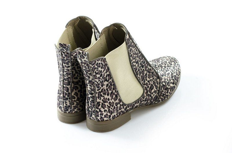 Bota Vegano Shoes Chelsea Clívia Animal Print