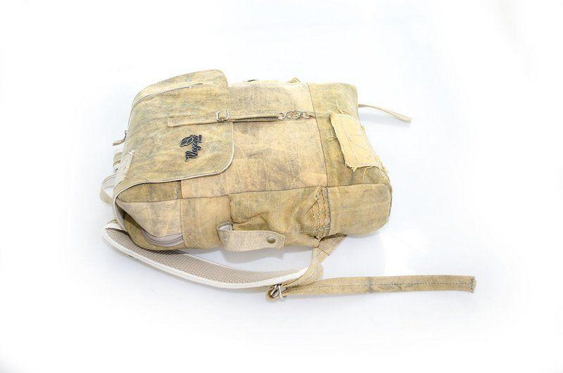 Mochila Urban backpack amarela (lona de caminhão)