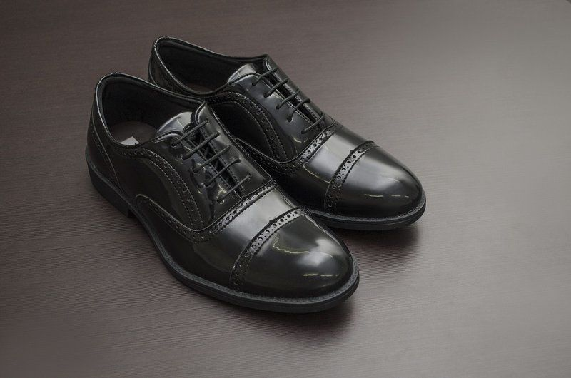 Oxford Vegano Shoes Vegan Elegance - Taro Preto - Verniz