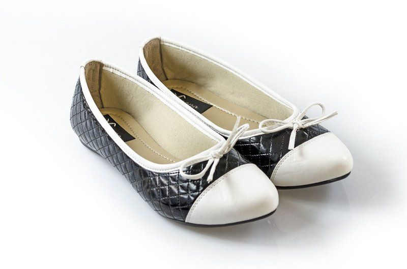 Sapatilha Vegano Shoes Kerria Preto/branco