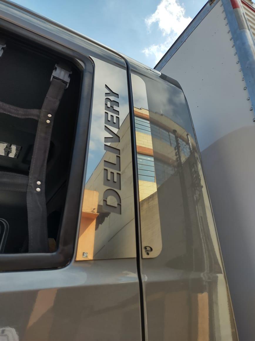 Aplique/Acabamento CHARADA em Inox da Coluna da porta VW Novo Delivery (Par)