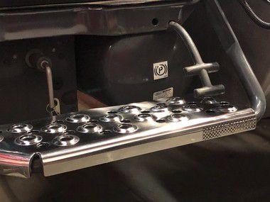 Capa da Escada da Bateria em INOX CHARADA Scania Série 5 (Cada)