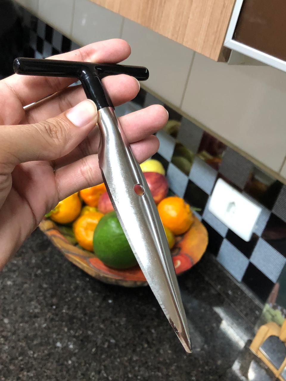 Abridor furador de coco manual facil profissional aço inox prata e preto
