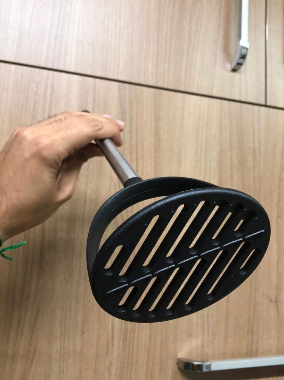 Amassador de batatas polipropileno preto espremedor de batata purê 32 x 9,5 cm
