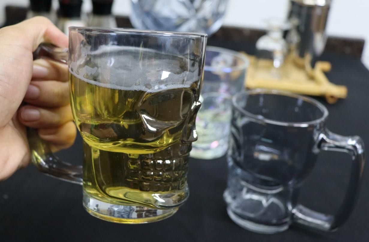 Caneca caveira cinza luster de vidro Chop 380mL copo de vidro cerveja fumê