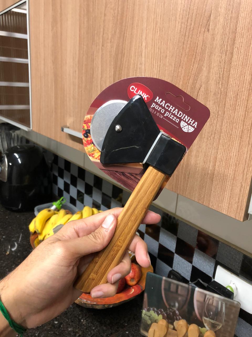 Cortador de pizza machado preto para servir aço inox e bambu 21cm