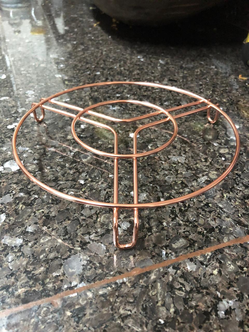 descanso de panelas 3unidades em metal cromado rose cobre redondos 18,5cm