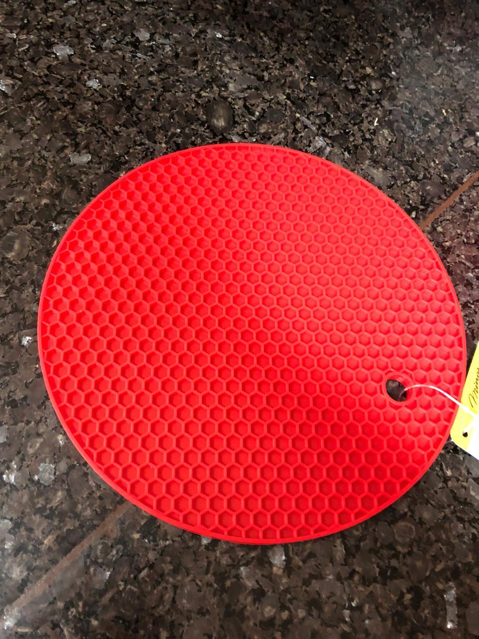descanso de panelas e travessas redondo em silicone 18cm isolante termico