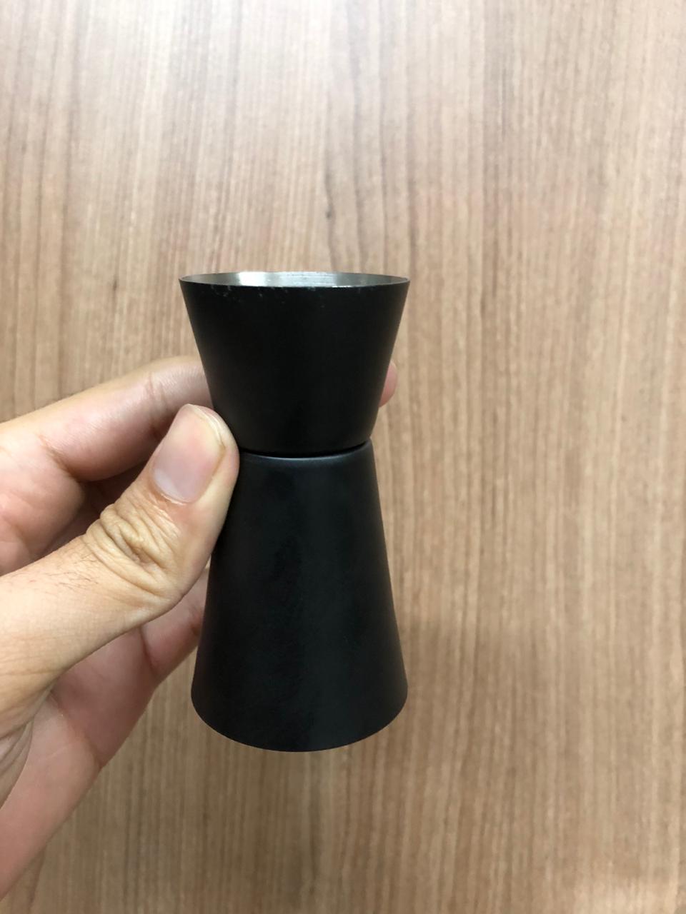 Dosador de bebidas drinks duplo aço inox preto medidor duplo 25 e 50 mL coquetel