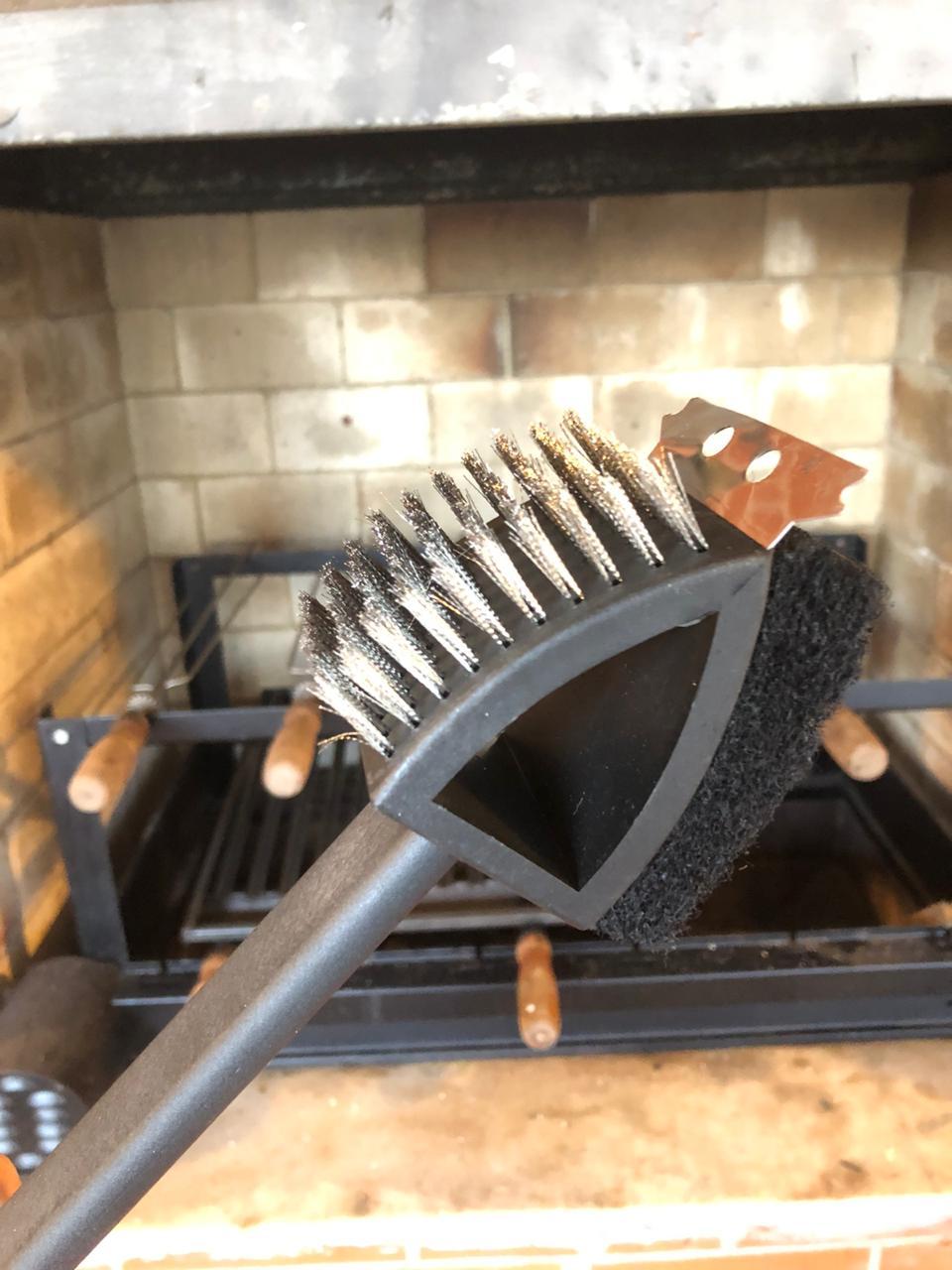 Escova para grelha limpadora de churrasqueira acessórios com cabo preto aço inox 3 em1