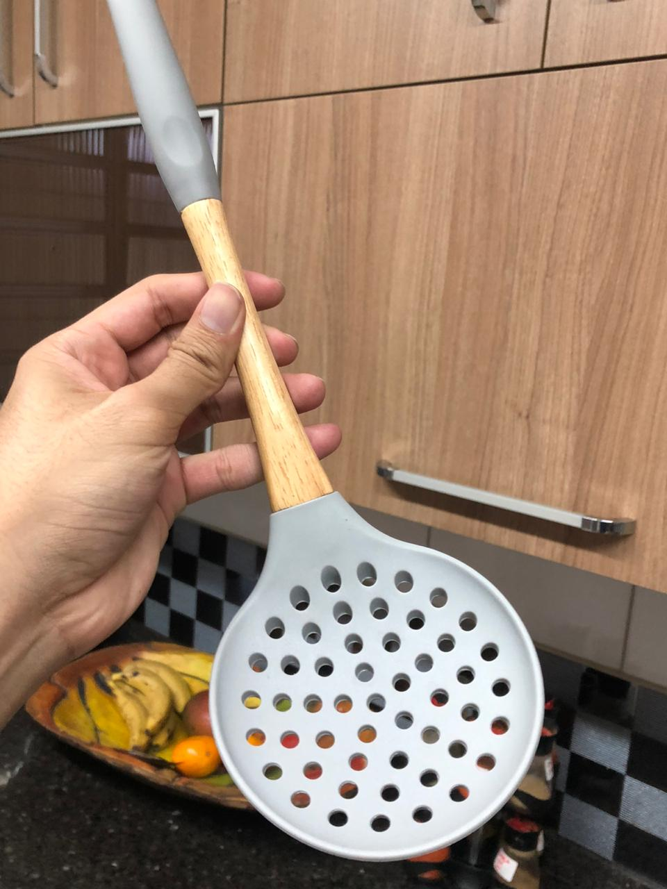 Escumadeira de silicone espumadeira para frituras pastel vazada madeira 33cm utensílios de cozinha