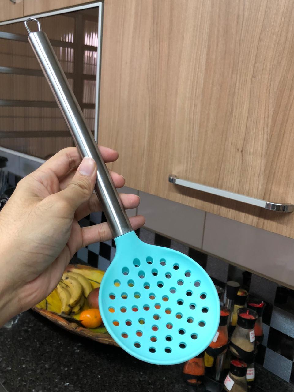 Escumadeira de silicone frituras espumadeira salgados pastel vazada inox  33cm utensílios de cozinha