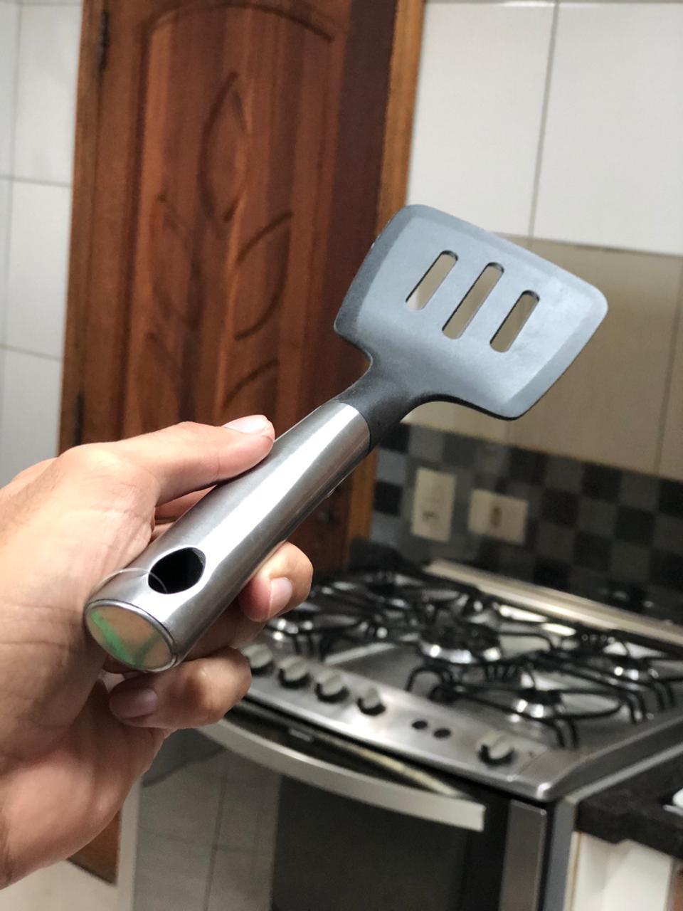 Espatula Fritura Vazada Utensílio Cozinha Nylon Inox Preta 35cm