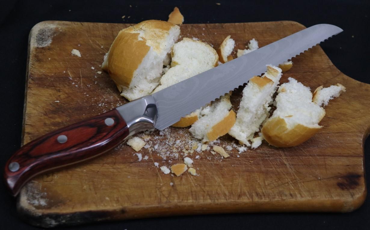Faca de pão com serras grande faca para bolo serrilhada em aço inox com madeira