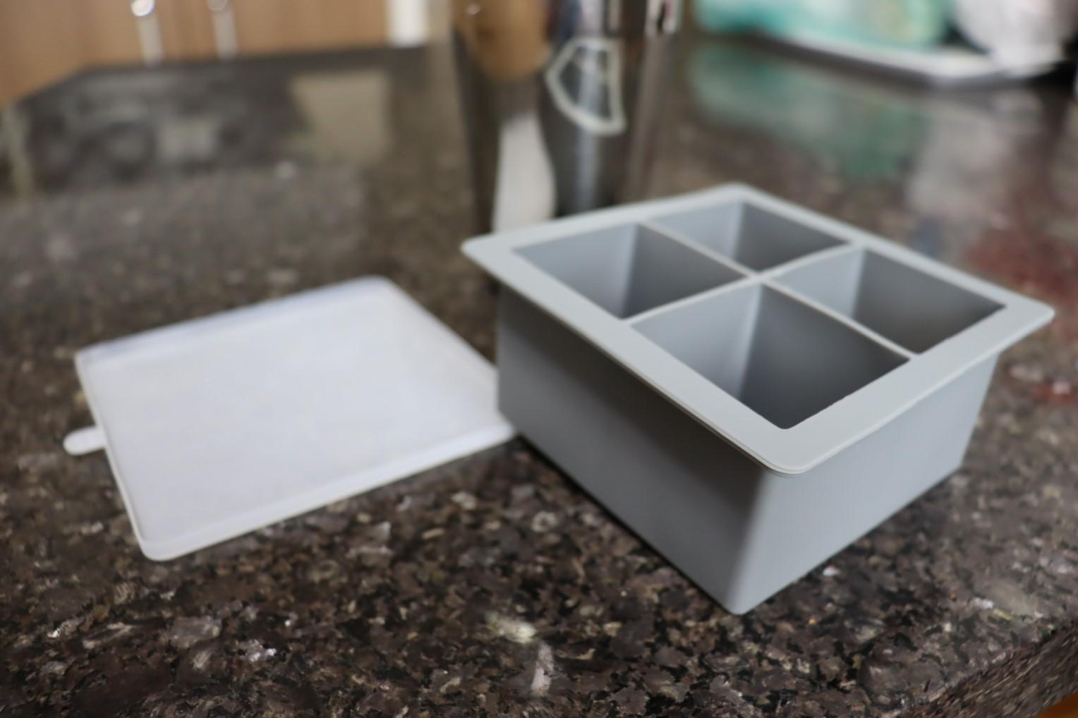 forma de silicone gelo com tampa papinha quadrada 4 cubos grandes cinza sem bpa forminhas