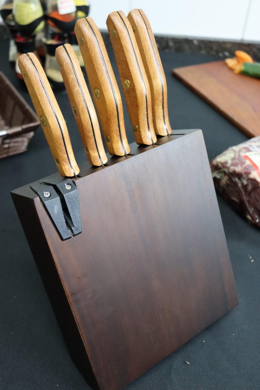jogo de 5 facas pretas faqueiro em aço inox com suporte cepo em madeira conjunto de facas profissional