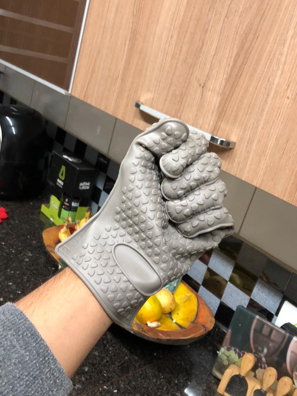 Luva de cozinha térmica silicone 5 dedos cinza anti calor 230 graus