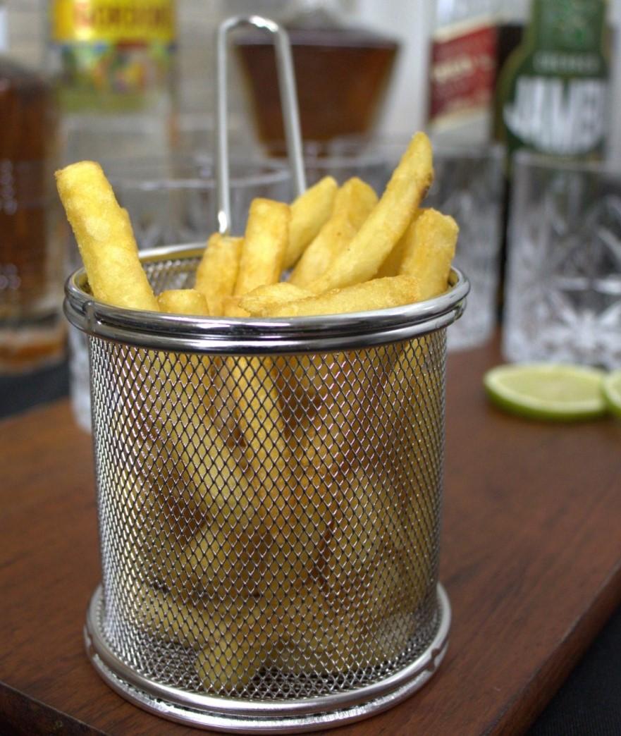 mini cesto de fritura para servir porções batatas pestiscos com cabo 2unidades 9x9cm
