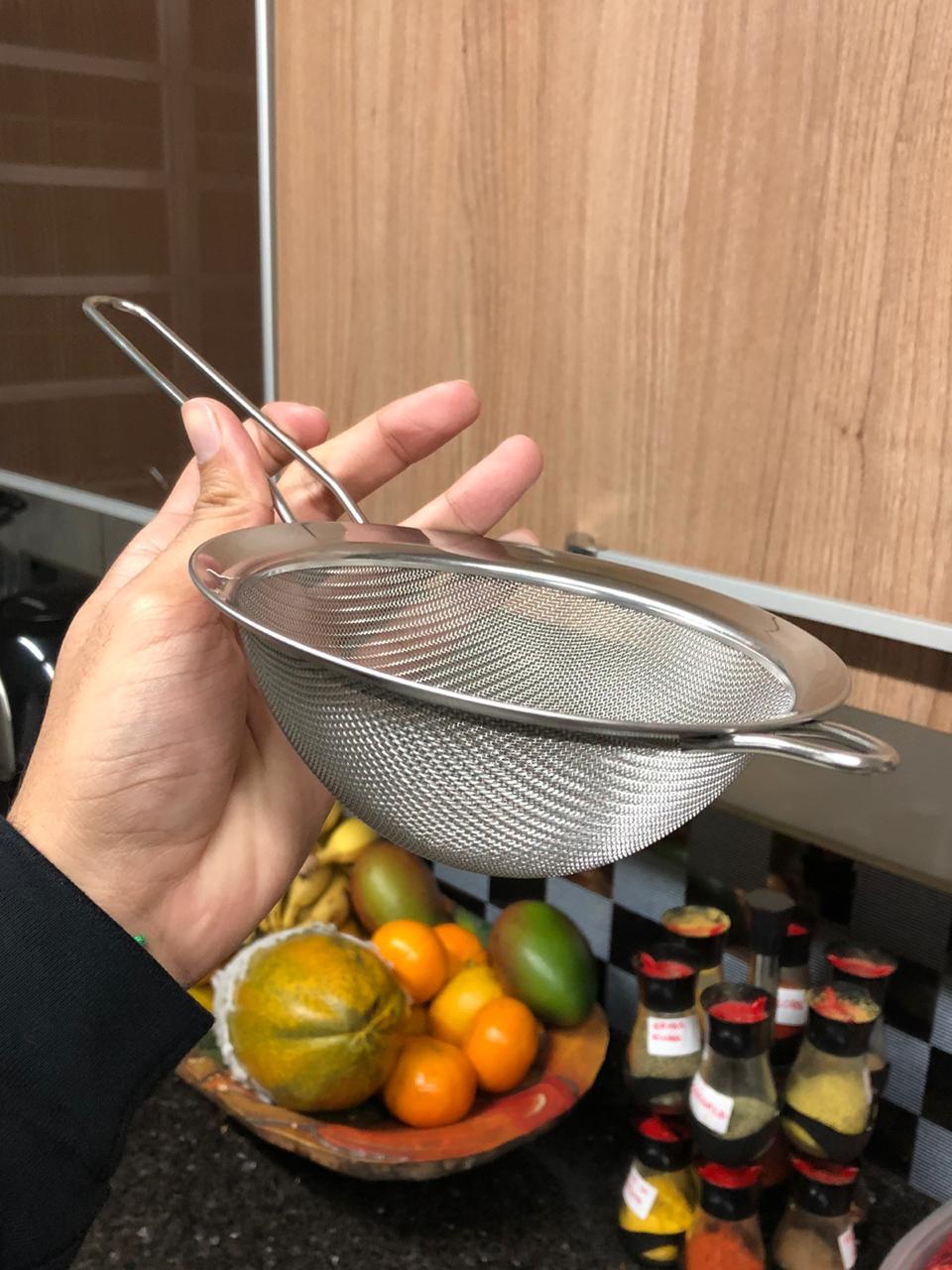 Peneira inox de cozinha coador inox grande 14 cm escorrer macarrão