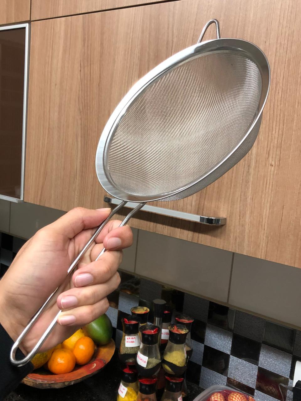 Peneira inox de cozinha coador inox grande 20cm escorrer macarrão