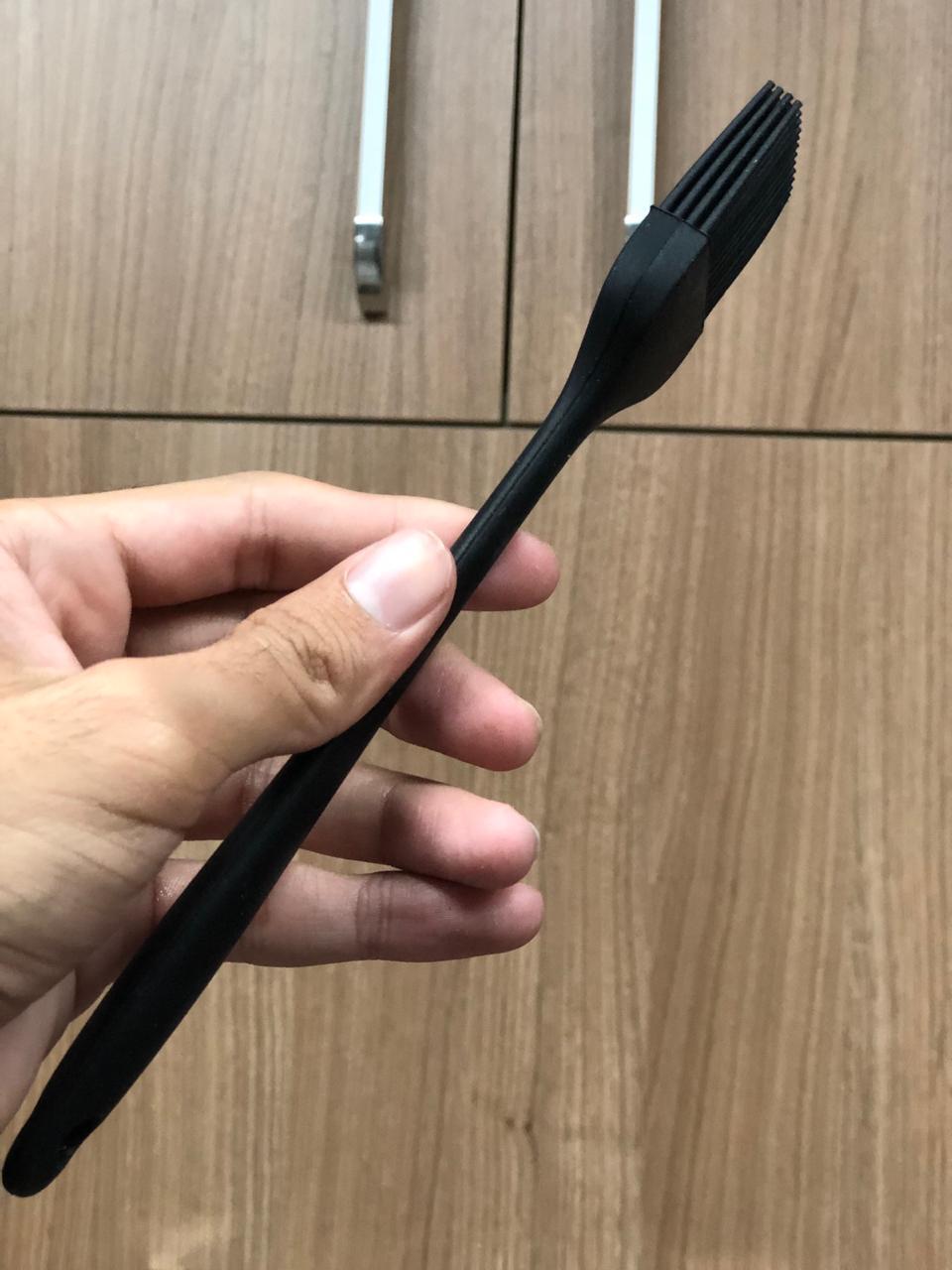 Pincel culinario de silicone preto 21cm