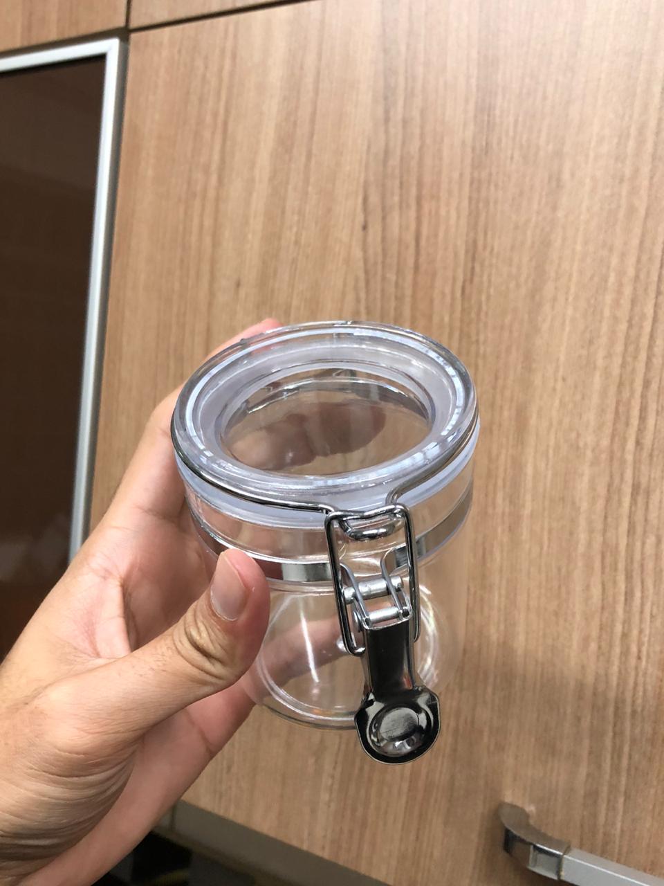 pote porta mantimentos temperos hermético plástico 350mL com tampa 8x10cm