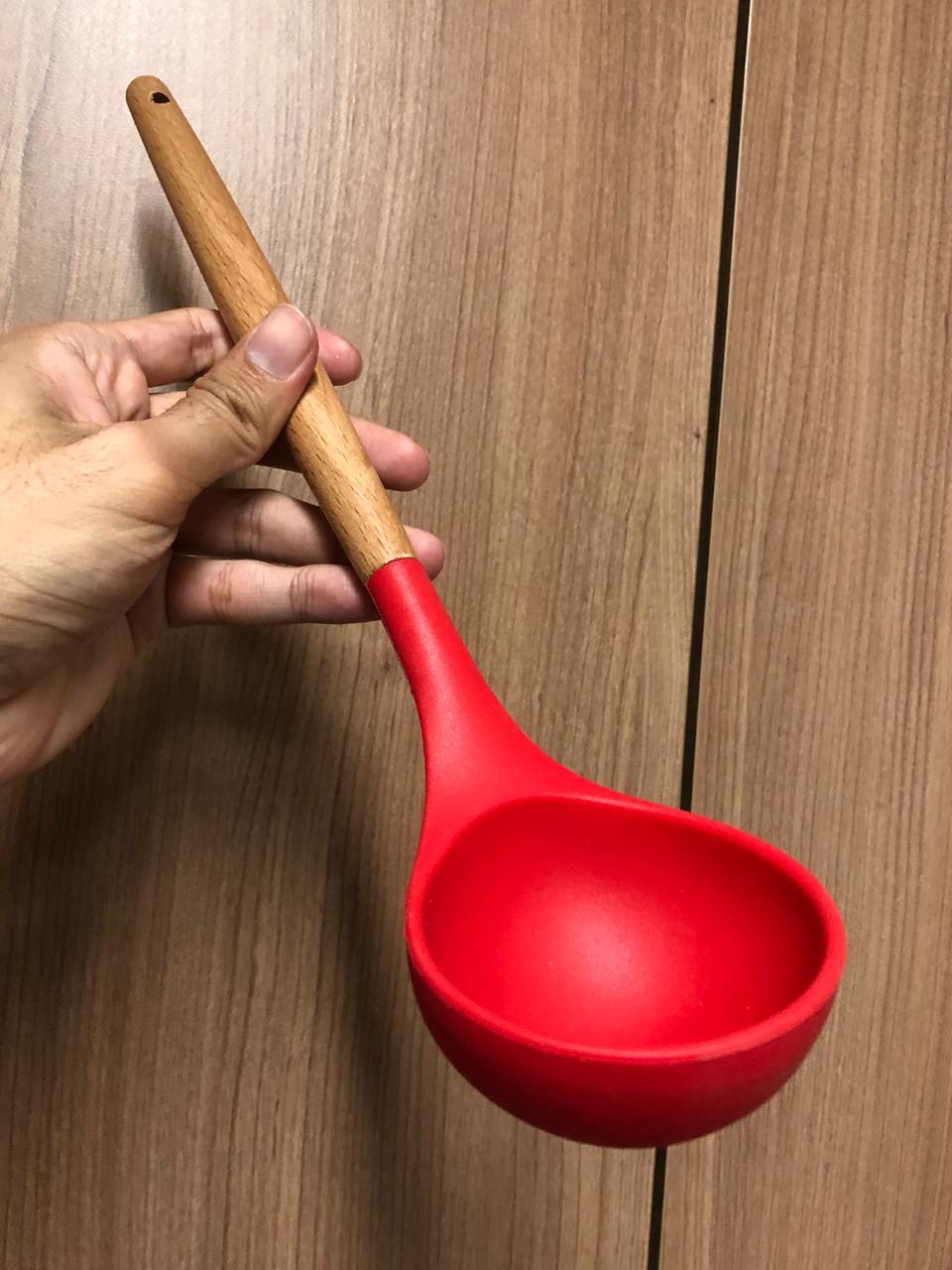 Utensílios de cozinha vermelho kit 5 unidades silicone e madeira colher concha espatula