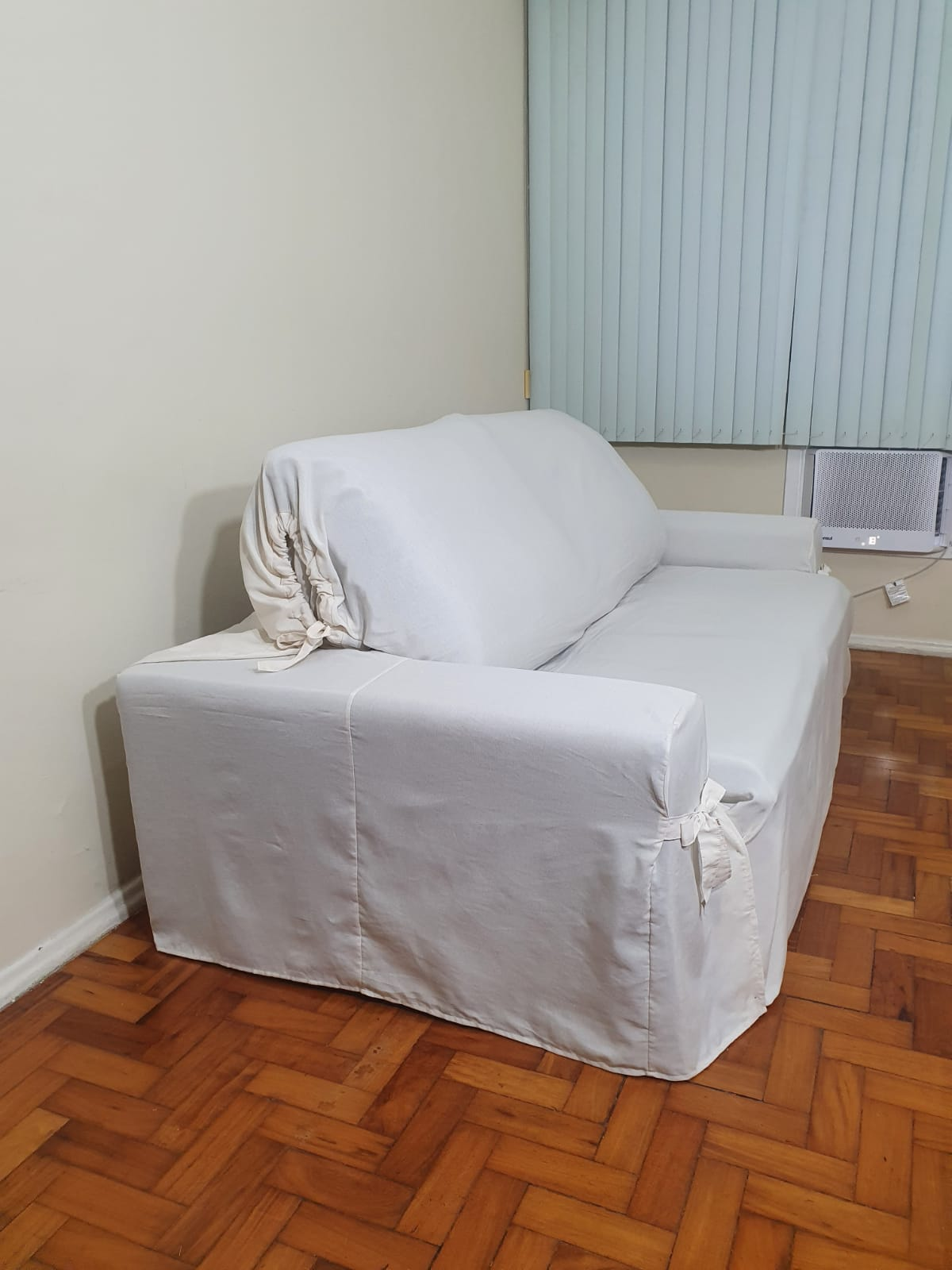 Capa p/ Sofá Retrátil e Reclinável em GORGURÃO CRU - Veste Sofás de 1,50m até 1,95m