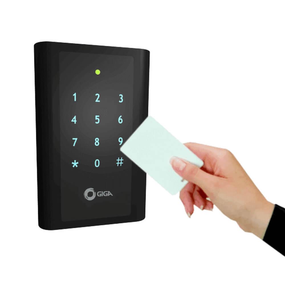 Controle de acesso GIGA por cartão de proximidade e senha - GSPROXLT