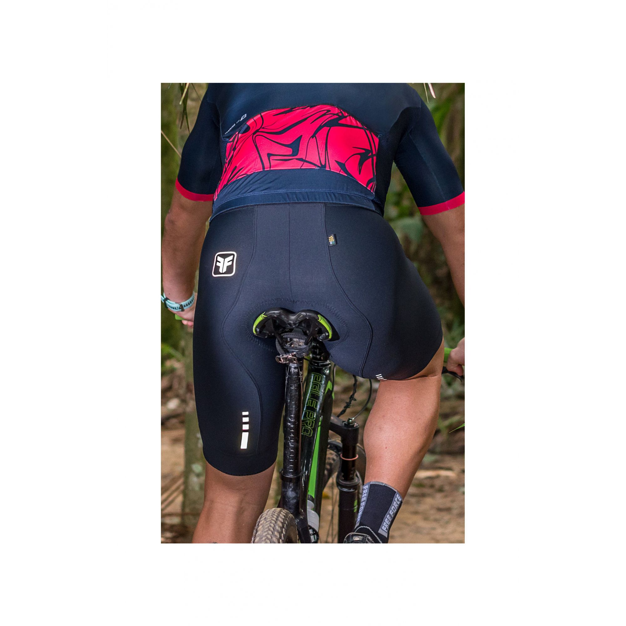 Bermuda de Ciclismo Masculina Free Force Training Gel