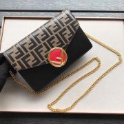 BOLSA FENDI WALLET ON CHAIN