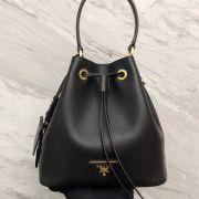 BOLSA PRADA SAFFIANO BUCKET BAG 1BE032