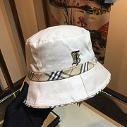 CHAPÉU BURBERRY WHITE B