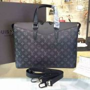 PASTA LOUIS VUITTON EXPLORER MONOGRAM ECLIPSE