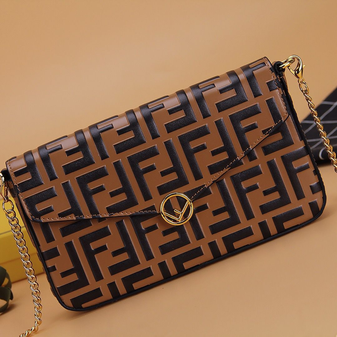 BOLSA FENDI WALLET ON CHAIN WITH POUCHES