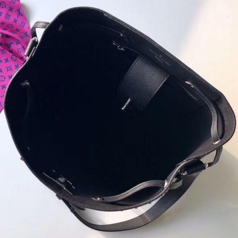 BOLSA LOUIS VUITTON LOCKME BUCKET