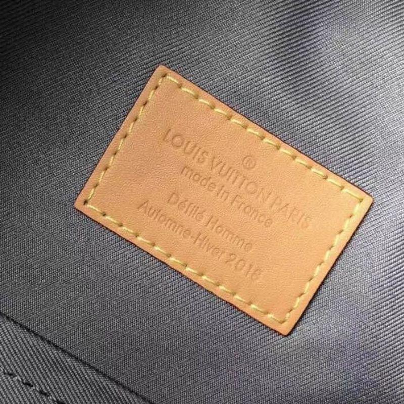 MOCHILA LOUIS VUITTON MONOGRAM TITANIUM M43882