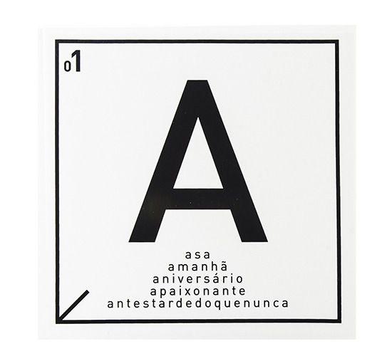 Azulejo Carbono Letra A