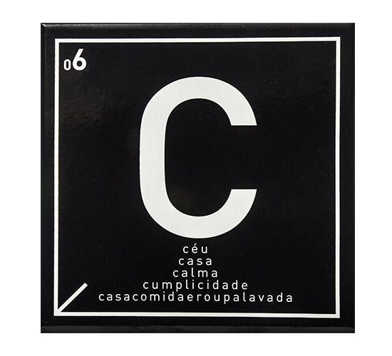 Azulejo Carbono Letra C