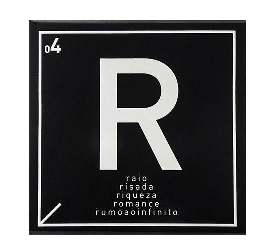 Azulejo Carbono Letra R