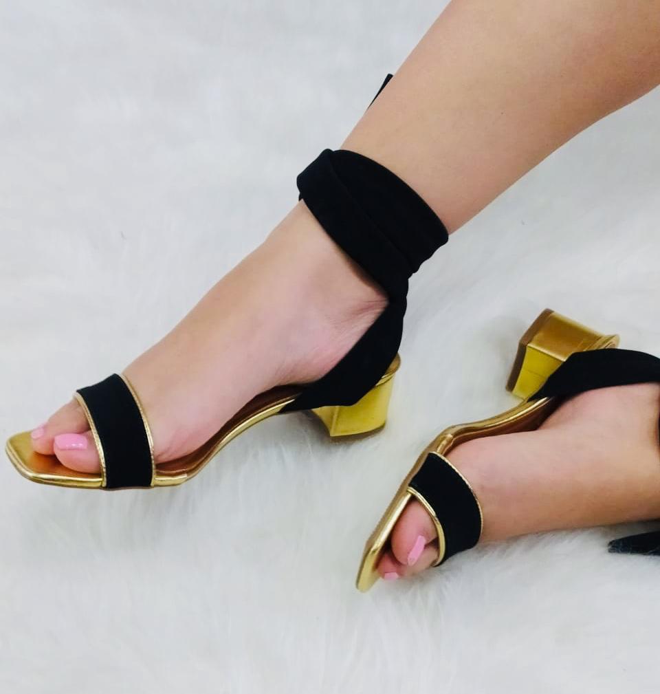 Sandália Salto Bloco Dourada Metalizada Amarração
