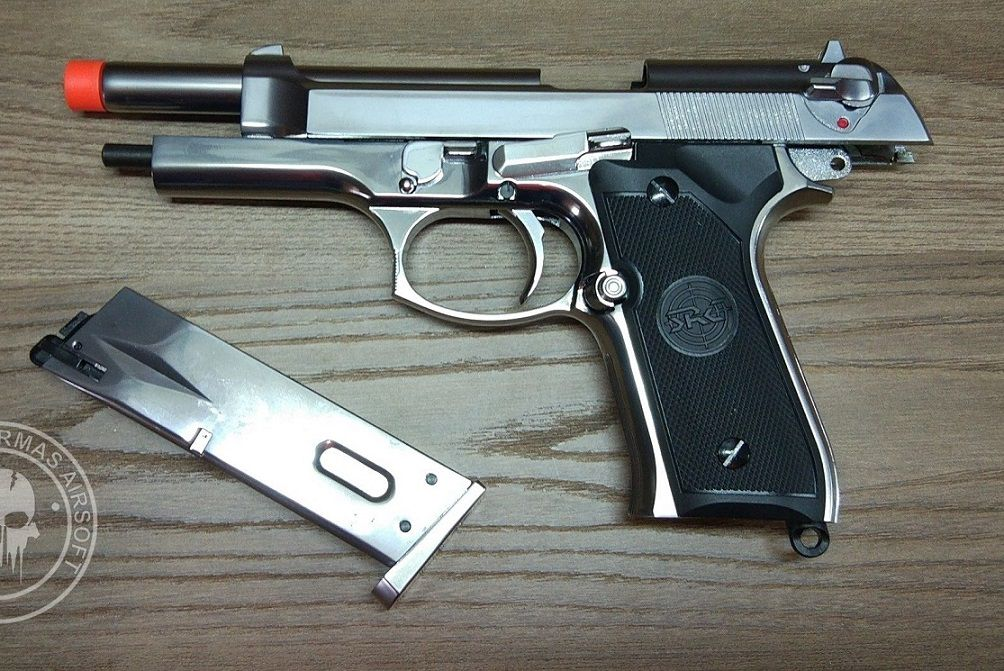 Pistola Airsoft SRC M92 SR-92 cromada