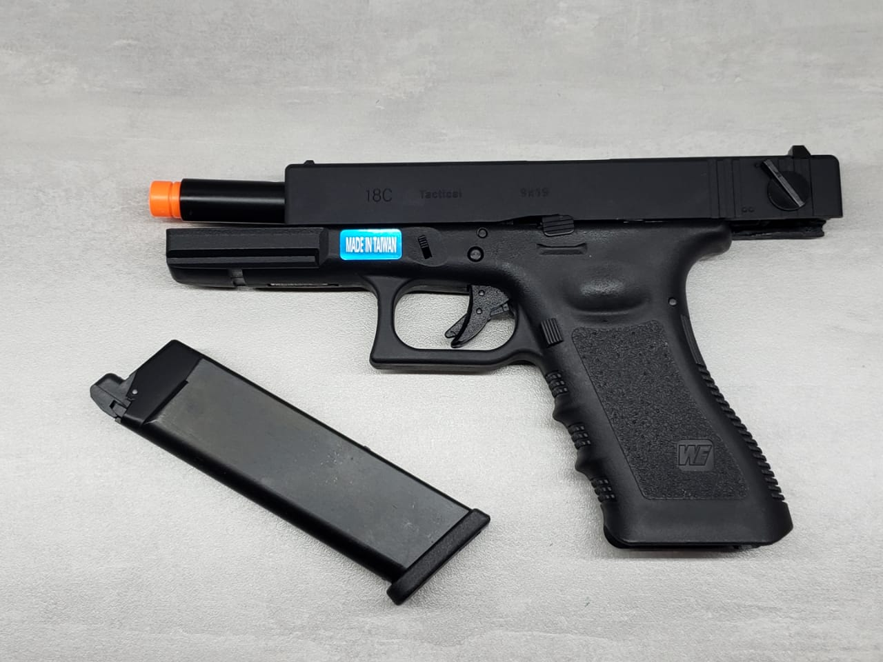 Pistola Airsoft WE Glock G18c G18 Gen3