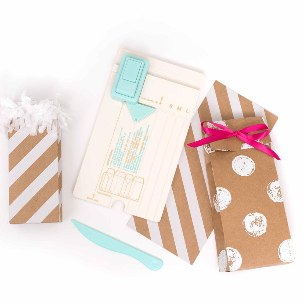 Placa Gift Bag Punch Board com Furador e Vincador para Fazer Sacolas de Presente - We R
