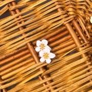 Brinco Mini Flower Branco