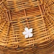 Colar Flower Branco