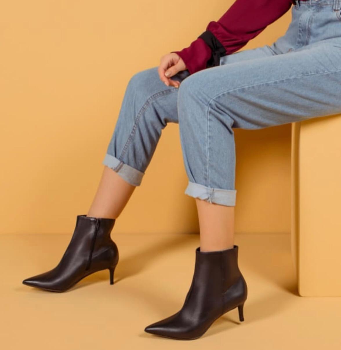 Boots Claudia Preta
