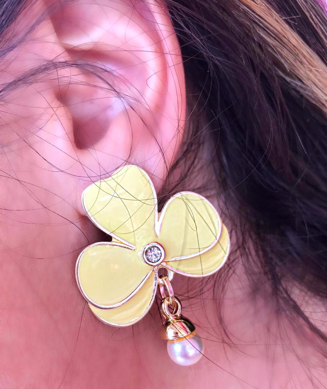 Brinco Flower Amarelo