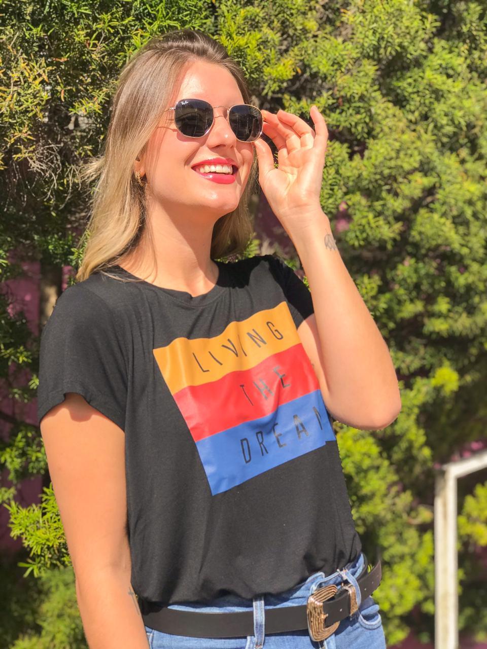 T-shirt Living Preto